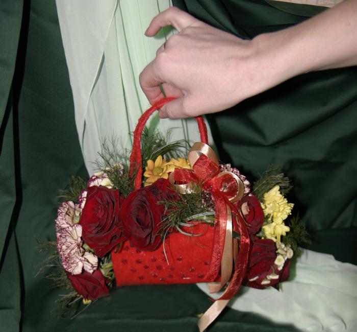 Букет из живых цветов своими руками мастер класс